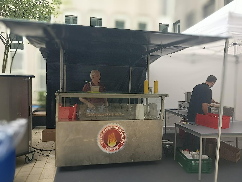 mobiler Grillstand