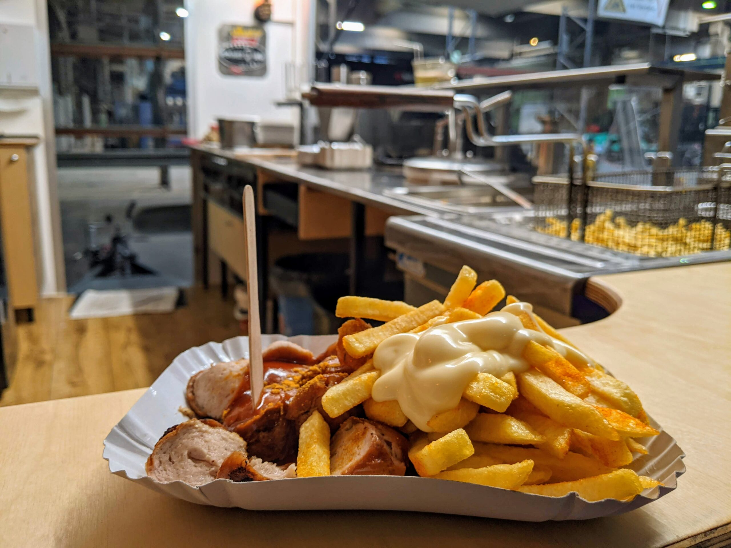 pommes currywurst catering